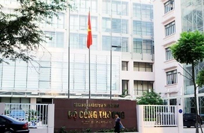3 nhan su Bo Cong Thuong duoc de nghi ve