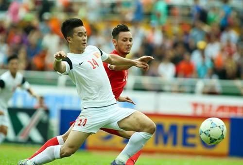 Lo la phut cuoi, U21 Viet Nam thua U21 Singapore cay dang
