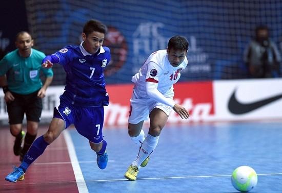 Futsal Viet Nam lai guc nga truoc nguoi Thai