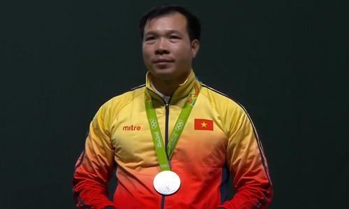 Hoang Xuan Vinh lo tam HCV Olympic Rio 2016 dang tiec