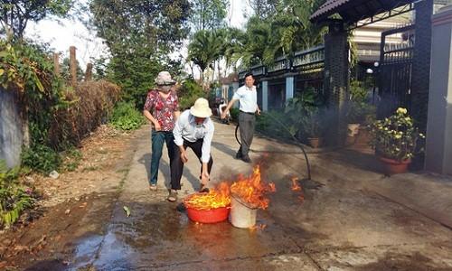 Hoang mang nuoc gieng boc chay o Buon Ma Thuot