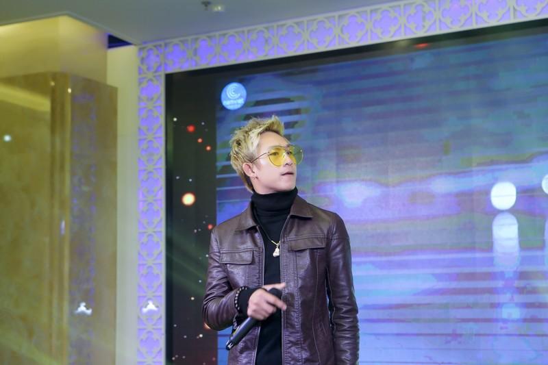 Hot boy tung muon tu tu khi roi nhom HKT tiet lo ve nu dai gia an nhan