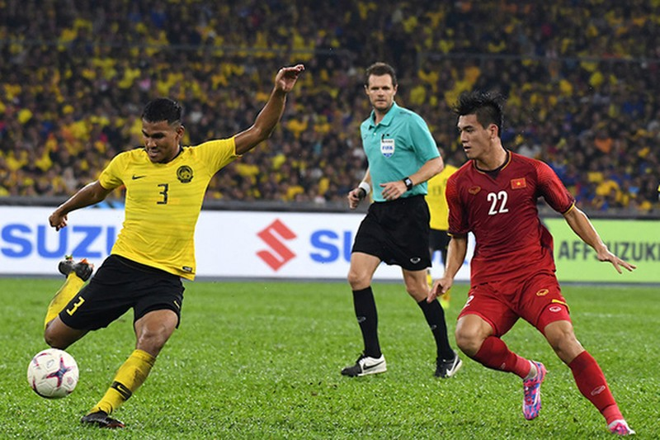 Viet Nam dau Malaysia VL Worl Cup: Thay Park dung bao boi gi de thang?