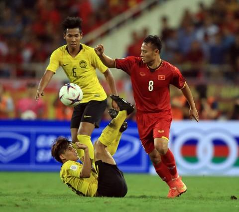 Song Hai phoi hop lap sieu pham, Viet Nam thang Malaysia tai vong loai World Cup 2022-Hinh-12
