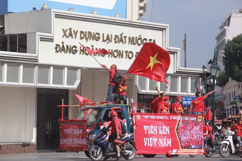 Song Hai phoi hop lap sieu pham, Viet Nam thang Malaysia tai vong loai World Cup 2022-Hinh-6