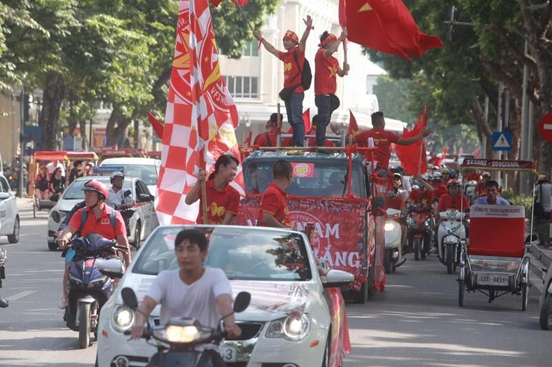 Song Hai phoi hop lap sieu pham, Viet Nam thang Malaysia tai vong loai World Cup 2022-Hinh-7