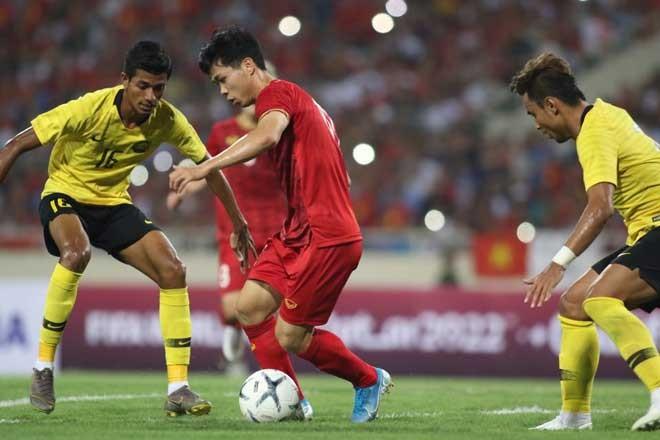Song Hai phoi hop lap sieu pham, Viet Nam thang Malaysia tai vong loai World Cup 2022-Hinh-3