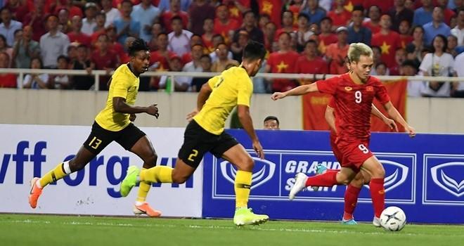 Song Hai phoi hop lap sieu pham, Viet Nam thang Malaysia tai vong loai World Cup 2022-Hinh-4