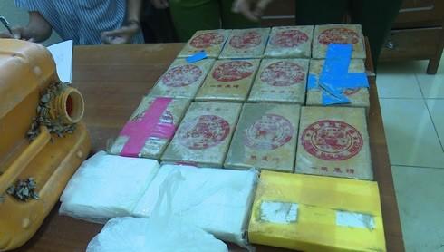 Vi sao Quang Nam khoi to vu 26 banh heroin dat bien?