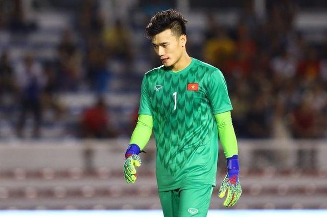 U23 Viet Nam di chau A: Bui Tien Dung co co hoi lam nguoi gac den?