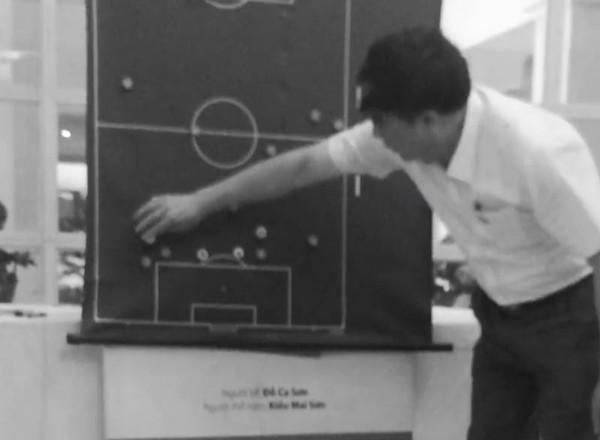 Bao chau A bat ngo mia mia ong bau V.League tranh quyen HLV-Hinh-2
