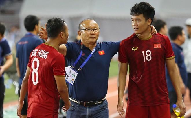 Hoan vong loai World Cup 2022 vi Covid-19, DTQG Viet Nam duoc loi gi?-Hinh-2