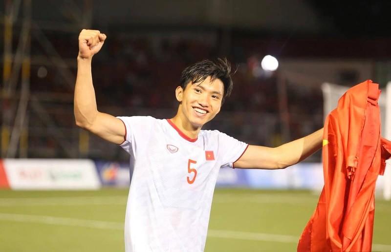 Mot minh giua troi Au mua Covid-19, Doan Van Hau khong co don-Hinh-2