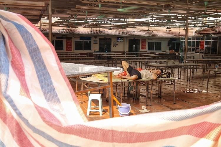 Canh tuong hiem thay tai Ha Noi sau lenh tam ngung kinh doanh-Hinh-3