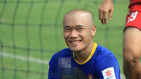 Gian cach xa hoi keo dai, fan lo lang chuyen toc tai cau thu DTQG Viet Nam-Hinh-10