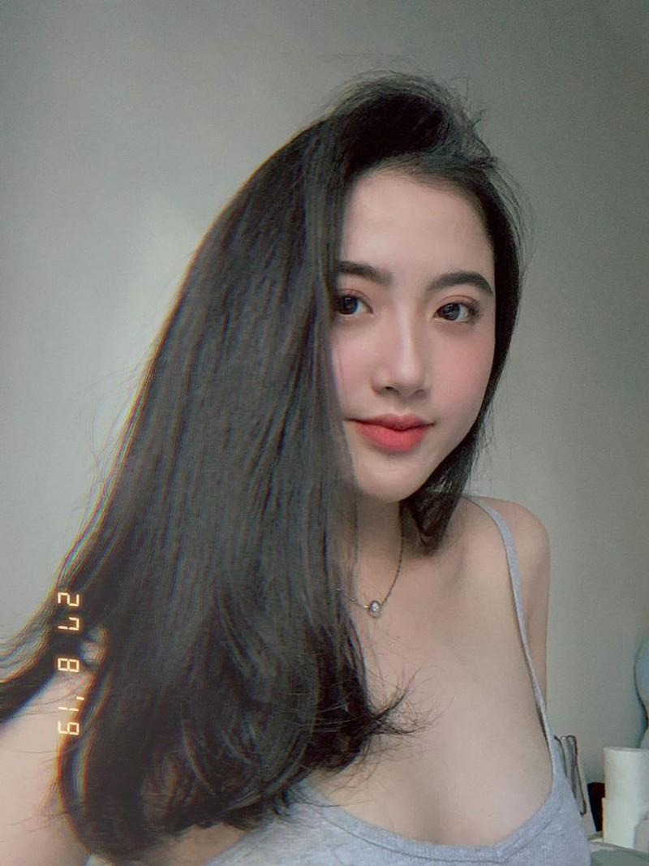 Soi dan hot girl Facebook moi noi, co gi hot khien follow tang am am-Hinh-12