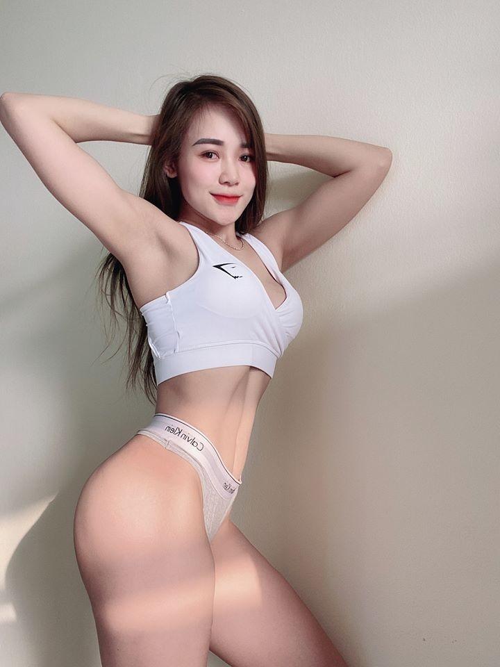 Co gai Thanh Hoa khoe than hinh do con gay sot mang