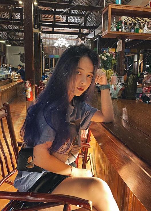 Hot girl Dai hoc Hoa Sen he moi cuoi ngam ma me-Hinh-4