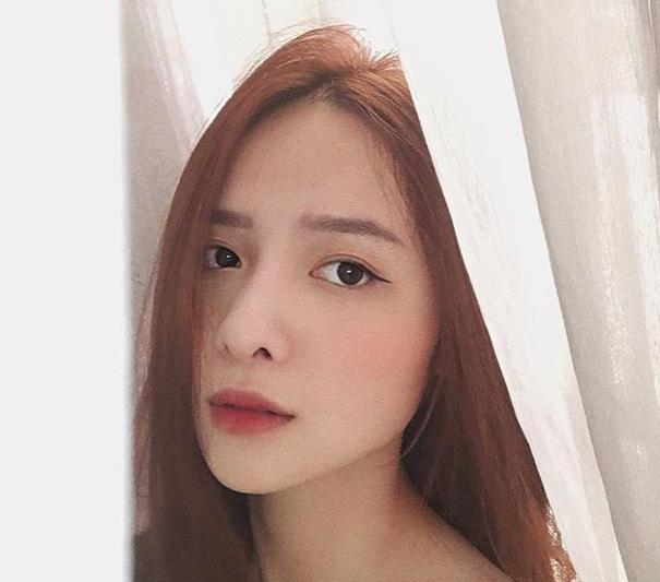 Hot girl Dai hoc Hoa Sen he moi cuoi ngam ma me-Hinh-5