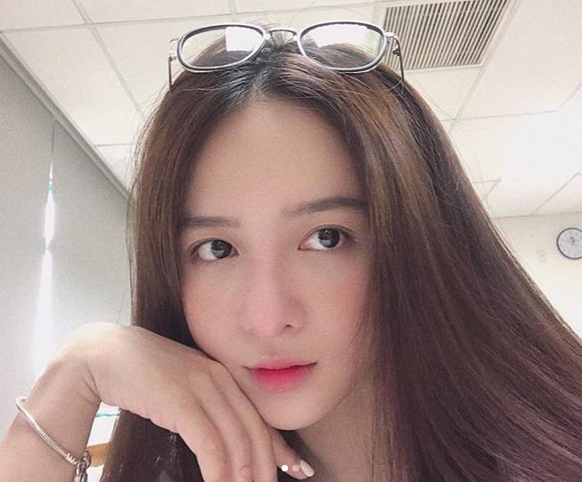 Hot girl Dai hoc Hoa Sen he moi cuoi ngam ma me-Hinh-6