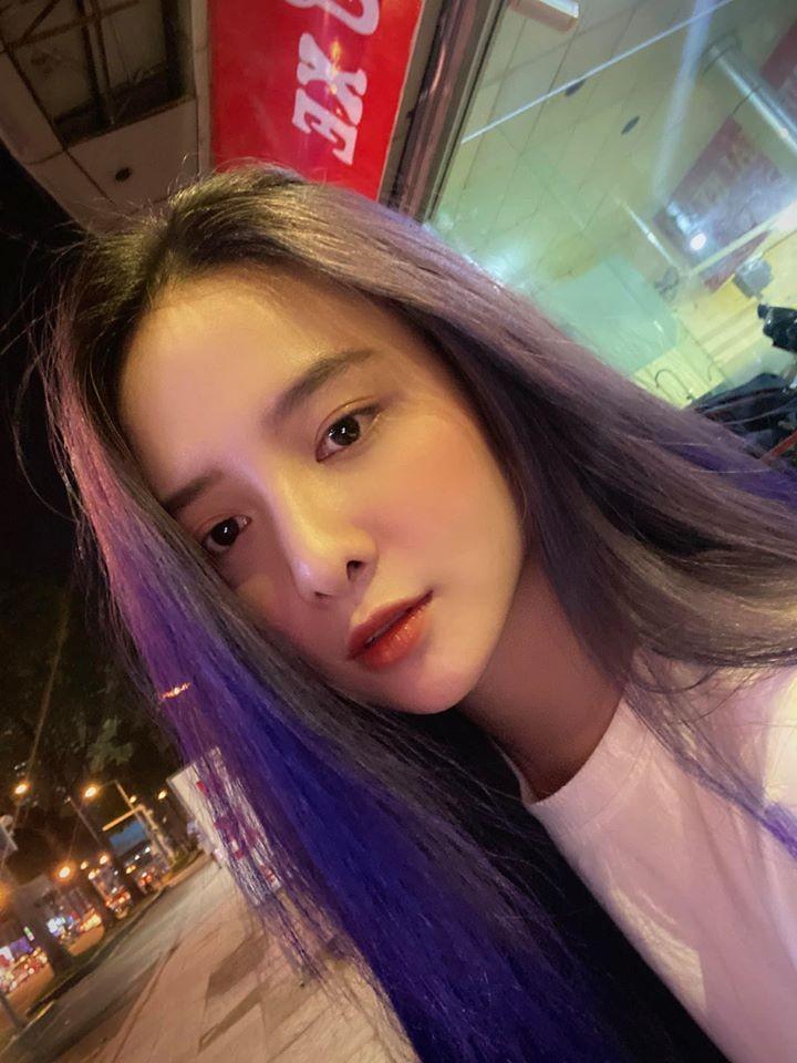 Hot girl Dai hoc Hoa Sen he moi cuoi ngam ma me-Hinh-9