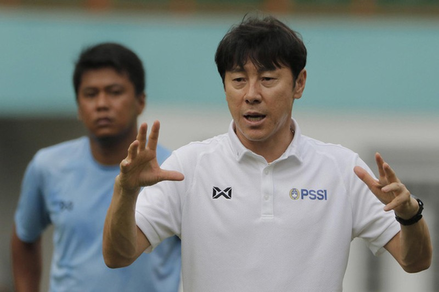 Giam luong HLV Park Hang Seo vi COVID-19: Thay the gioi ra sao?-Hinh-8