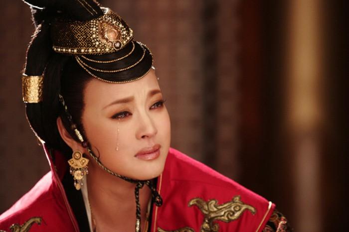 """U70 Luu Hieu Khanh lo guong mat bi nghi """"dao keo"""" qua da-Hinh-2"""