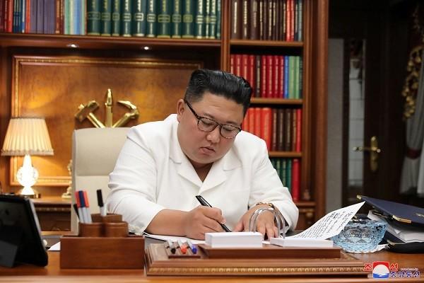 Loi xin loi chua tung co tien le cua ong Kim Jong Un-Hinh-2
