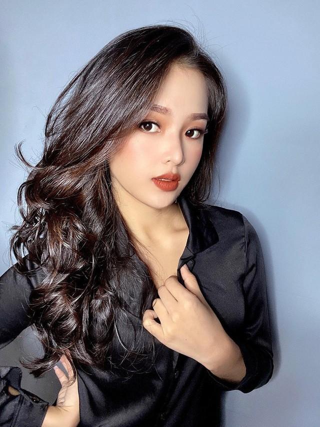 Khoe body chuan hoa hau, hot girl 10X Phu Yen lam dan tinh me tit-Hinh-2