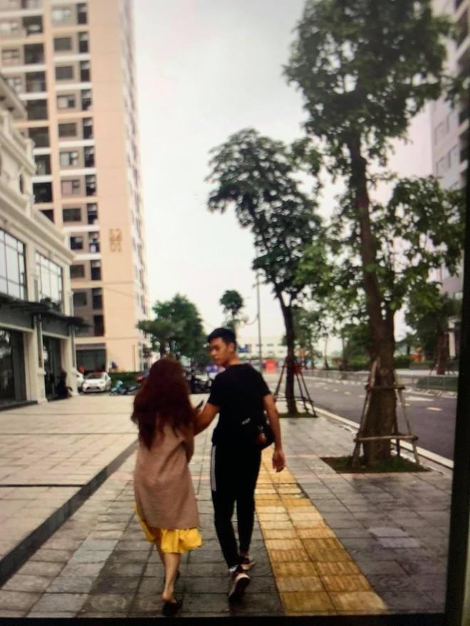 Ban gai Quang Hai bat ngo bi boc phot