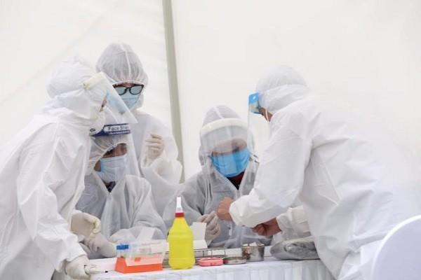 Ha Noi ghi nhan 2 ca duong tinh voi SARS-CoV-2