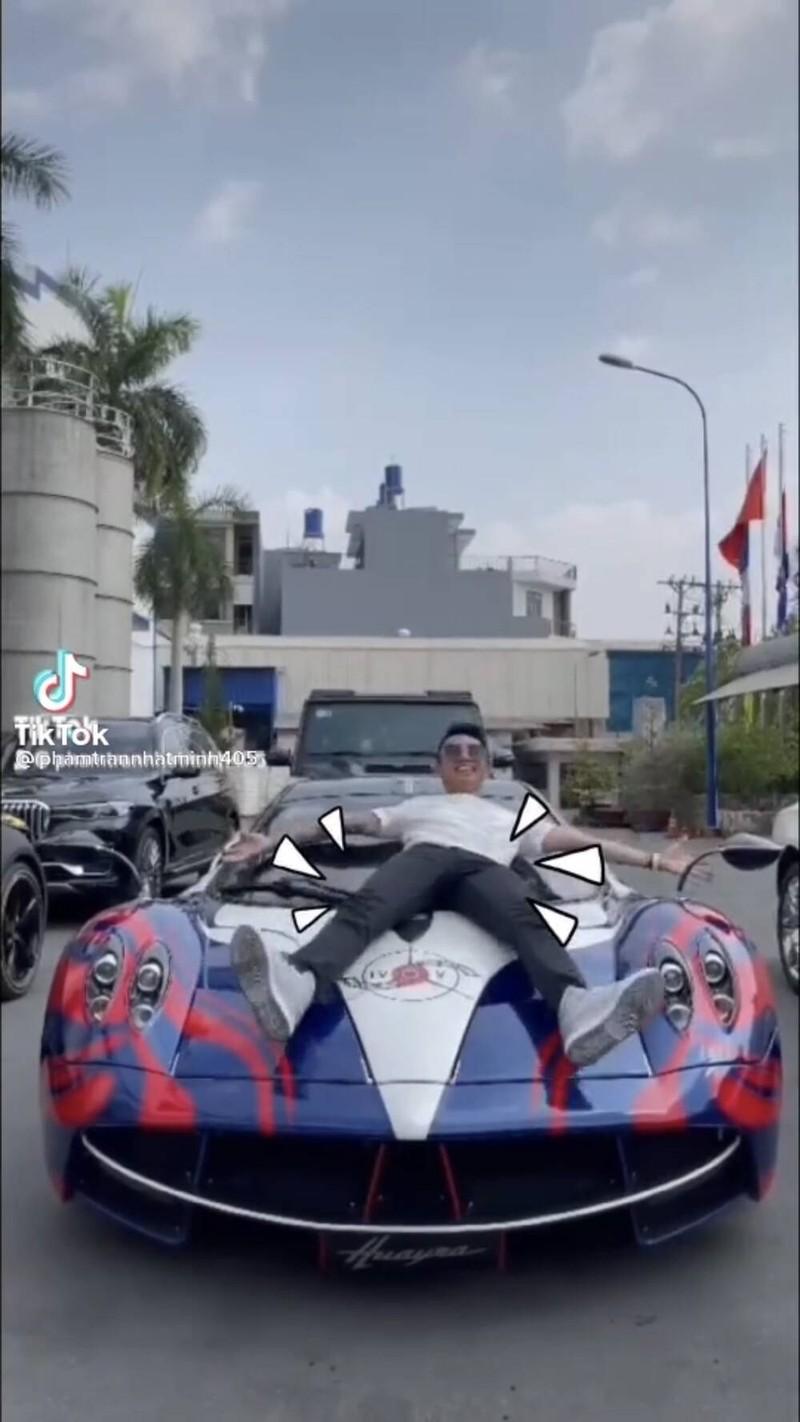 Dai gia Minh Nhua khoe bo suu tap sieu xe tram ty gay choang-Hinh-3