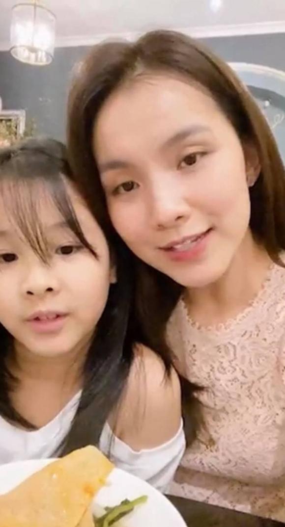Hoa hau Thuy Lam khoe nhan sac doi thuong sau 11 nam roi xa showbiz-Hinh-4