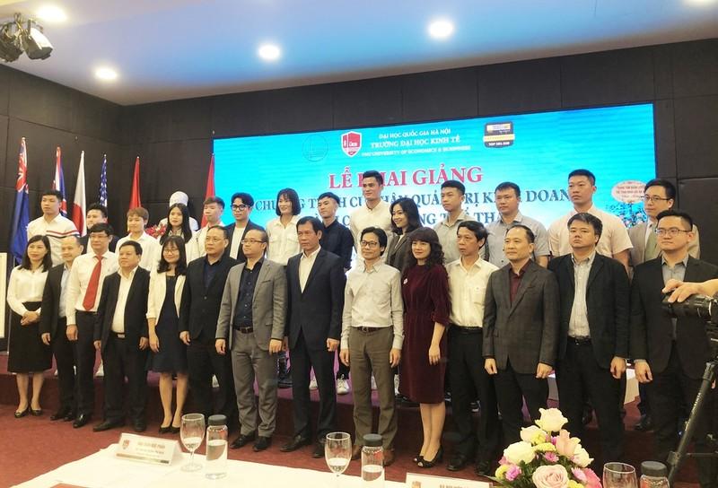 Quang Hai nhap hoc DH Kinh te