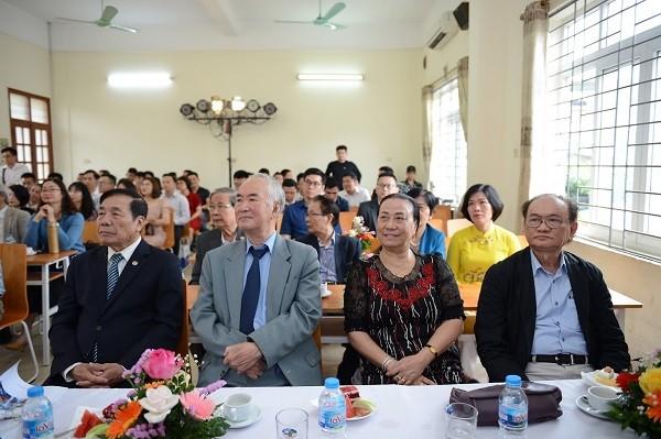 Khoa Dien - Co dien tu DH Phuong Dong ky niem 20 nam thanh lap-Hinh-2