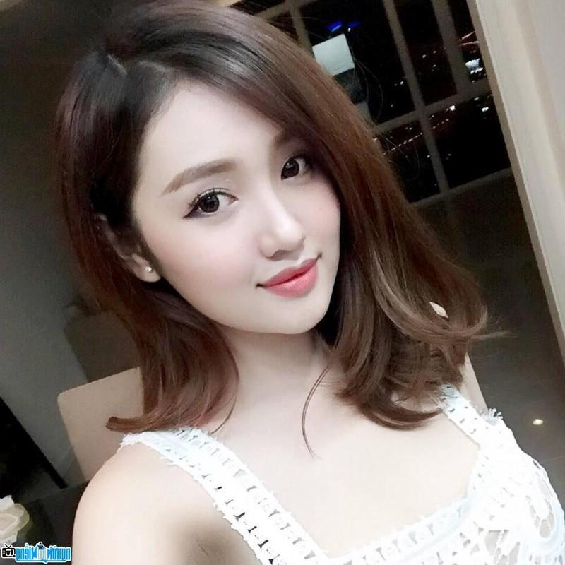 Tuoi 33, cuu hot girl Sai thanh dep cuon hut, thua nhan dao keo-Hinh-10
