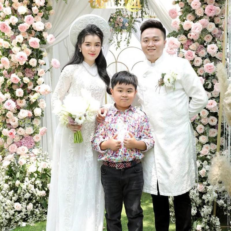 Mo lai Facebook, con dau ba Phuong Hang bat ngo co dong thai la-Hinh-4