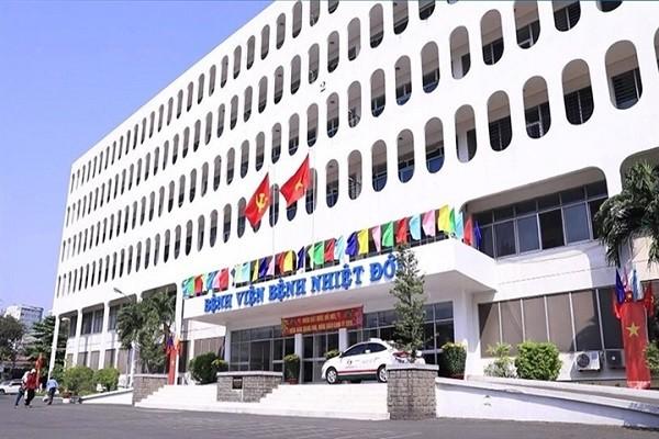 Nong: TP HCM tam phong toa BV Benh Nhiet doi
