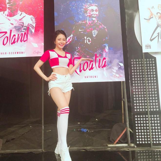 Nhay quyen ru lo body sieu hot, hot girl Tram Anh dot mat netizen-Hinh-3