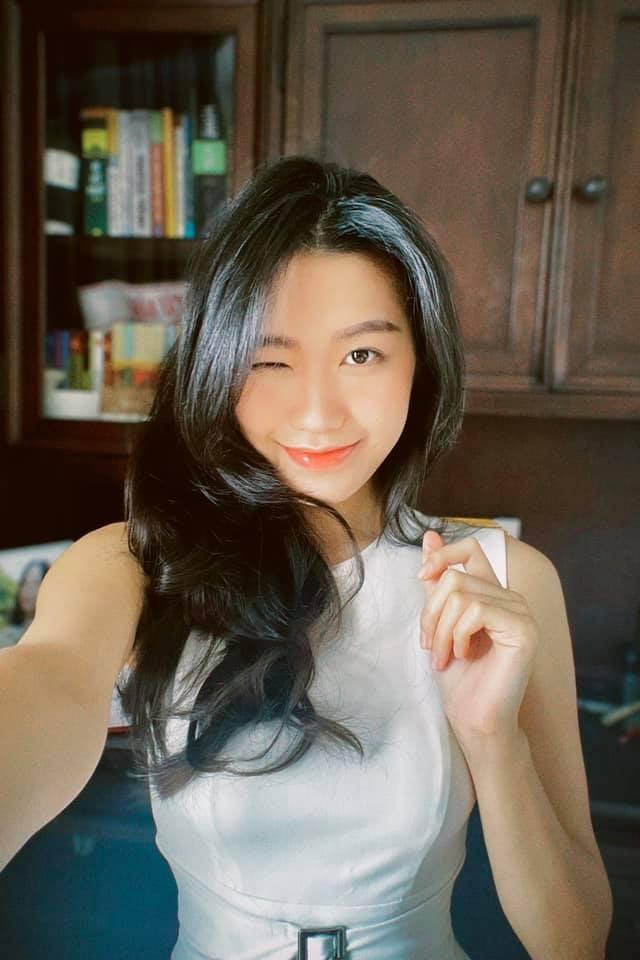 Bi so sanh voi nguoi yeu cu, ban gai Doan Van Hau len tieng-Hinh-11