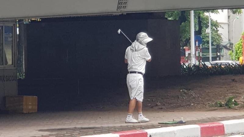 Phat 1 trieu dong nguoi danh golf o gam cau vuot Nguyen Chi Thanh