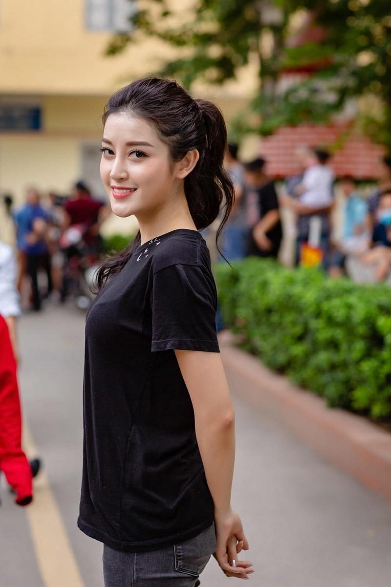 Tung clip bat trend, A hau Huyen My bi soi chiec mui khac la-Hinh-2