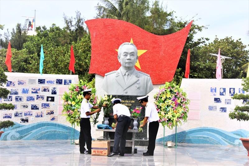 Cong vien dai tuong Vo Nguyen Giap o Truong Sa-Hinh-2