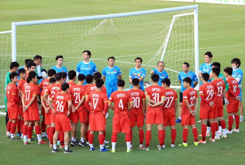 Vong loai World Cup 2022: Doi tuyen Viet Nam song chet o tuyen giua?