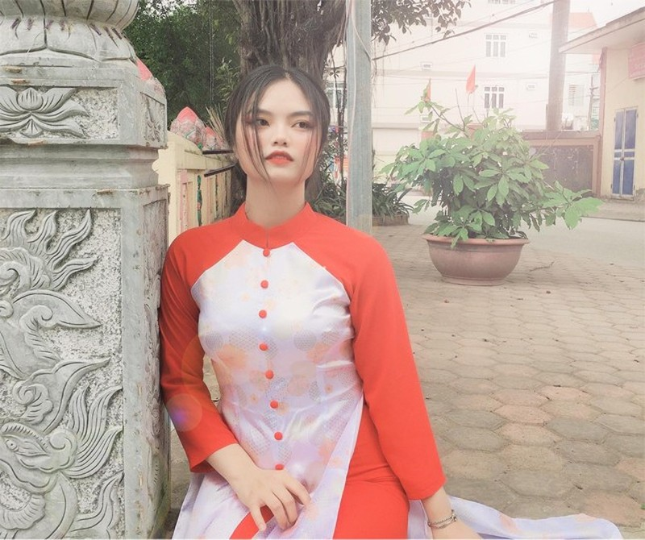 Nu sinh vien 9X dua lich su Viet Nam len thiet ke thoi trang-Hinh-2