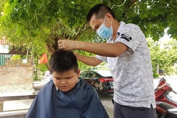 Ninh Binh cho phep mo cua dich vu an uong, cat toc tu ngay 11/9