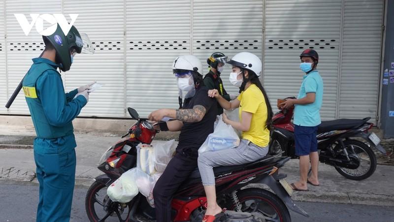 """Binh Duong cho phep F0 khoi benh luu thong giua cac huyen """"vung xanh"""""""