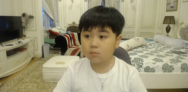 Quy tu nha ba Phuong Hang di