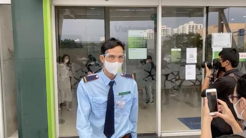 "Hau ""tam khoa bao co"", netizen vao page Vietcombank hoi lap quy den-Hinh-9"