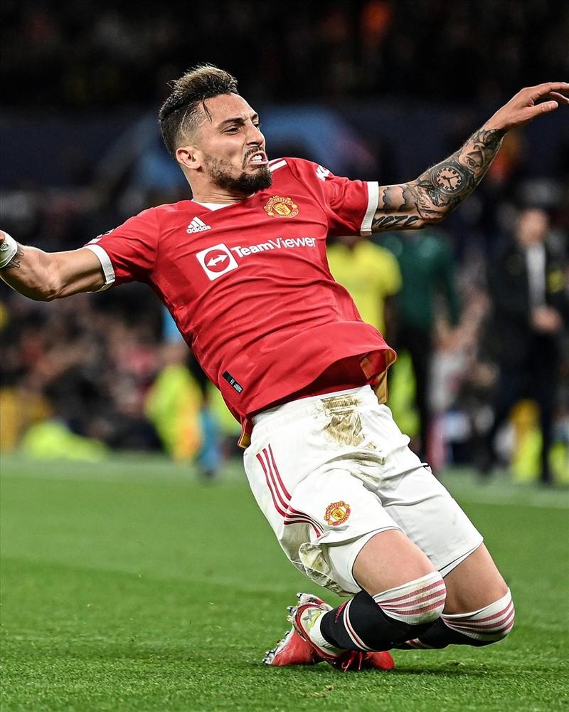 Ronaldo ghi ban phut bu gio, Man United loi nguoc dong Villarreal-Hinh-10